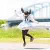 ジャンプするツインテールの魔法少女