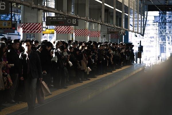 通勤時のラッシュ:社畜の安寧PAK42_syachikunoannei1323500